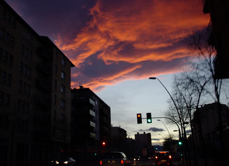 Вечернее небо Жироны