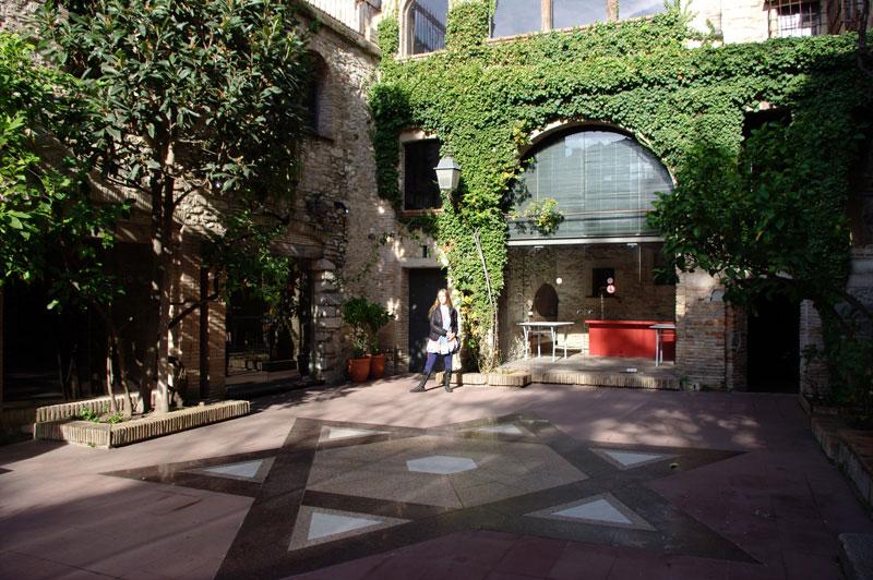Внутренний двор еврейского музея