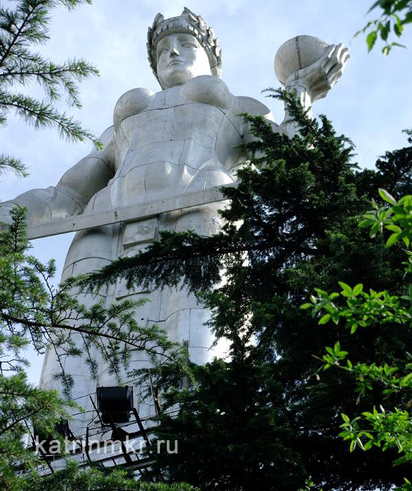 Тбилиси. Статуя Мать - Грузия.