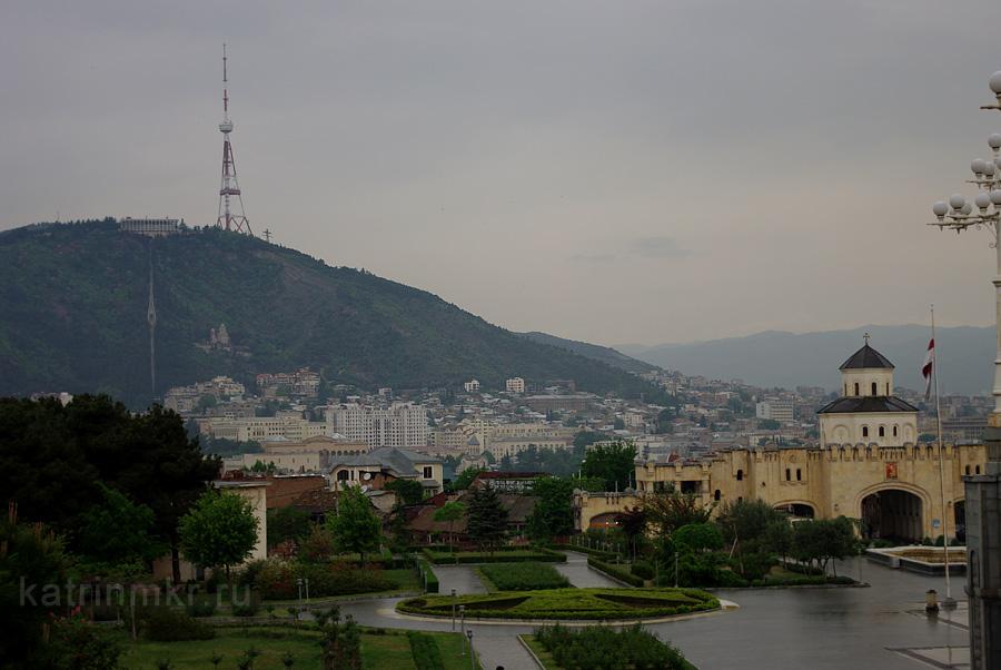 Тбилиси. Площадь перед Собором Святой Троицы.