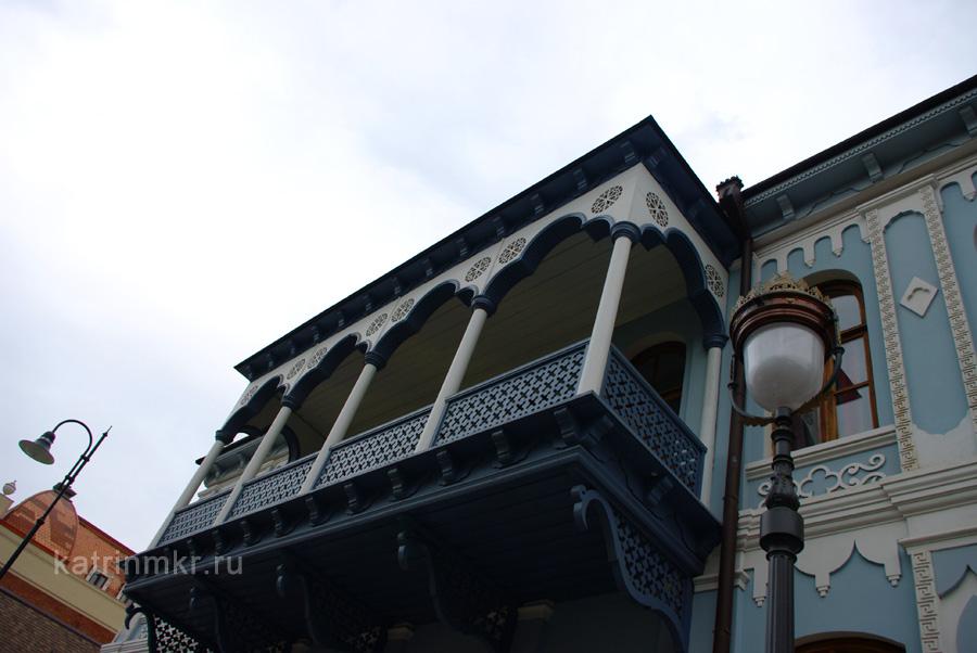 Тбилиси. Кружевной балкон на проспекте Агмашенебели.