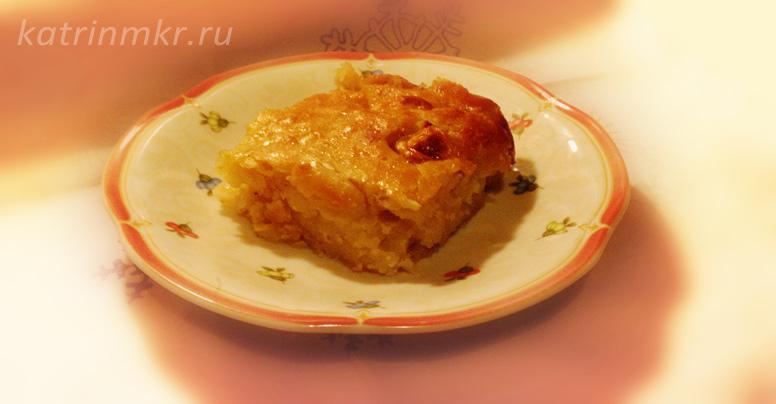 Яблочный пирог с бананами и мёдом.